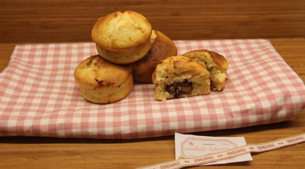 Kokos-Muffins mit Schokoladekern