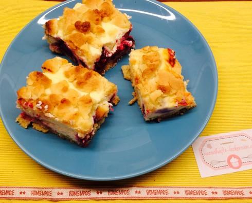 Beeren-Topfen-Streusel Kuchen